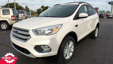 New 2018 Ford Escape SE With Navigation & 4WD